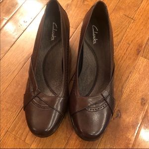 Clark's casual loafer 8M soft cushion small heel
